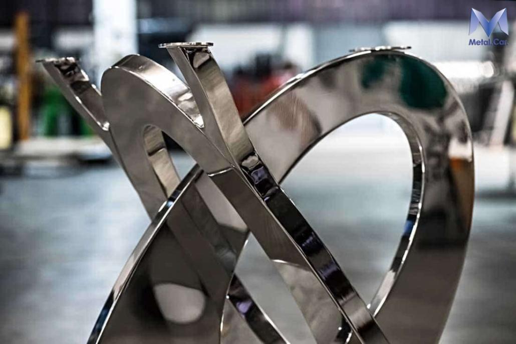 Base tavolo lucidato a specchio