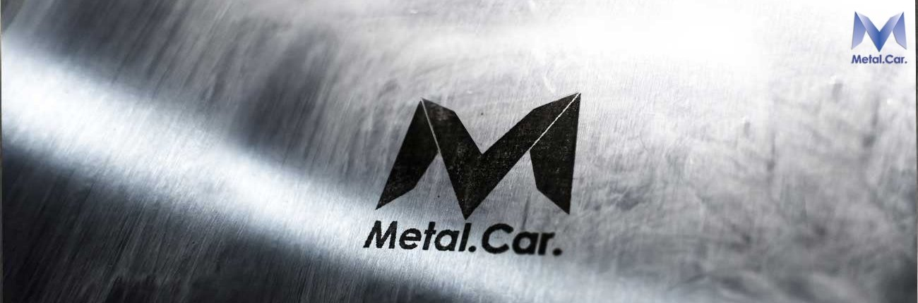 Metal.Car. logo su lamiera