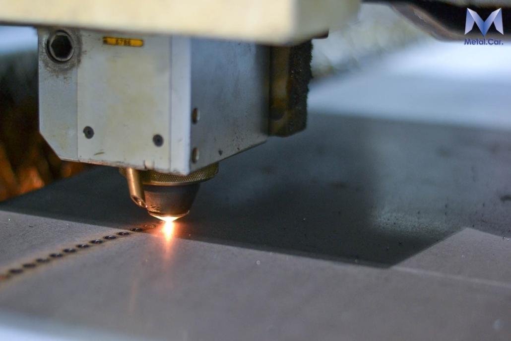 taglio laser macchinario