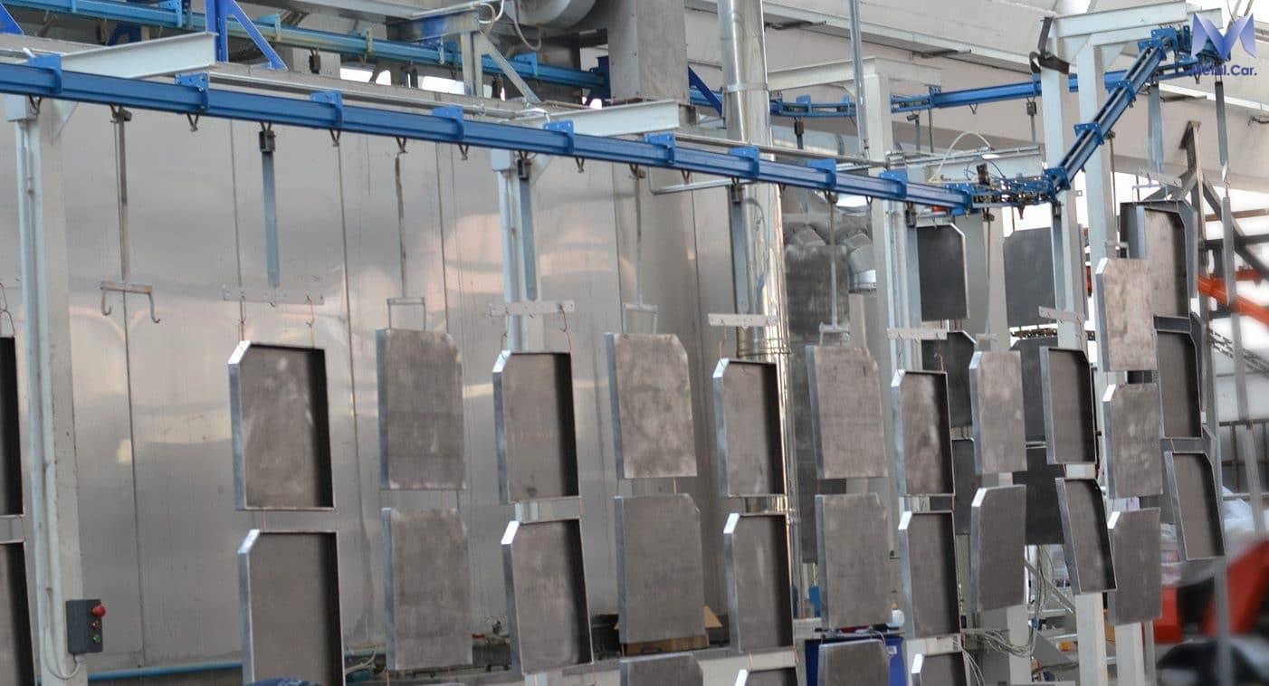 Impianto di verniciatura a polvere industriale automatico