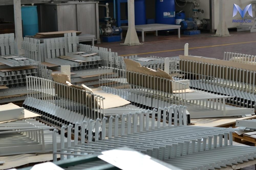Impianto di vernicviatura a polvere automatico
